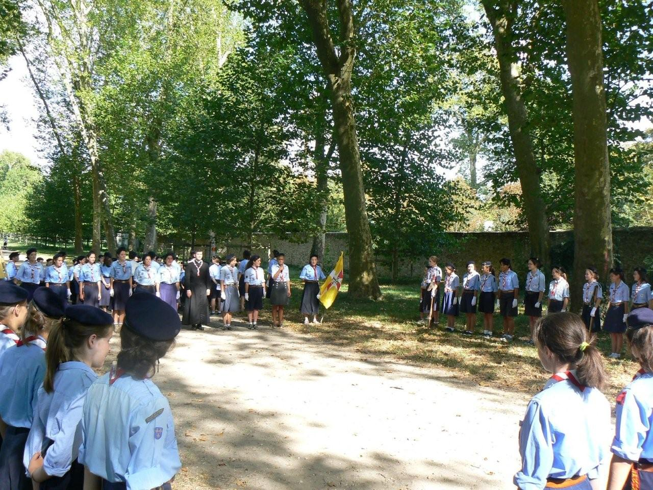 ARentree des groupes scouts (2)
